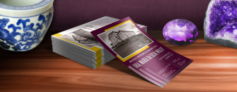 Couchê-120g-15x21---Museu---4x4-UV----Pronto